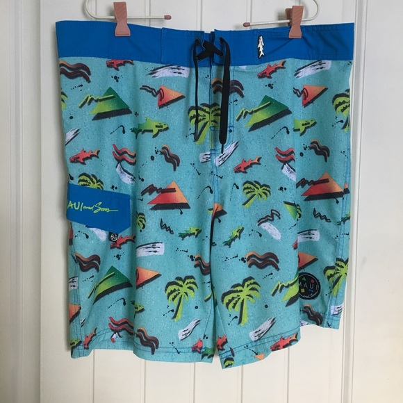 Maui & Sons Board Shorts Size Large